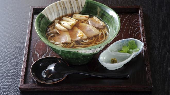蕎麦 木曽路 - 料理写真:鴨南蛮そばで、心も体もぽかぽかに。