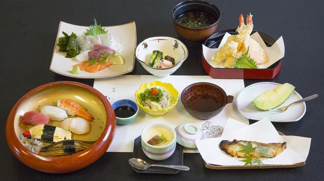活魚小松 - 料理写真:会席3000円