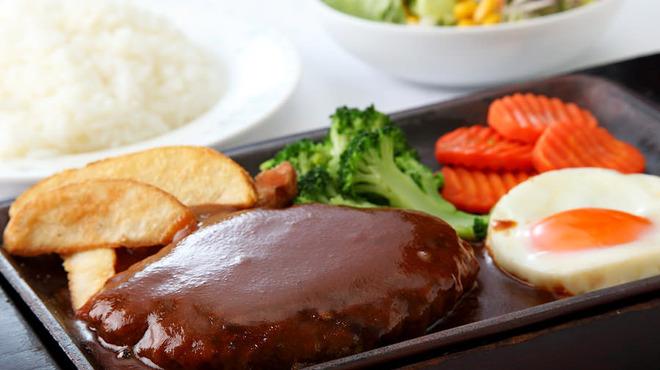 TOYO - 料理写真:手ごねハンバーグステーキ
