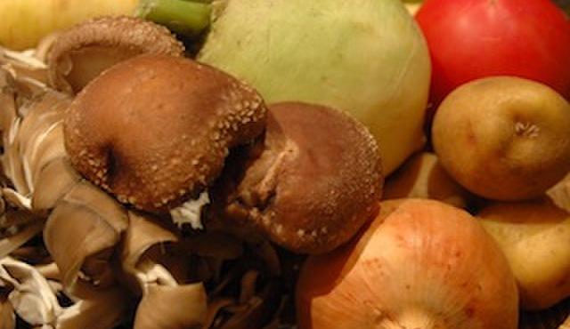 奥芝商店 - その他写真:アイアンシェフにも取り上げられた佐々木ファームさんなどの新鮮野菜を使っています。