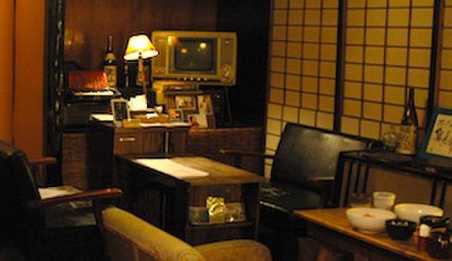 奥芝商店 - 内観写真:昭和レトロな空間でスープカレーを。