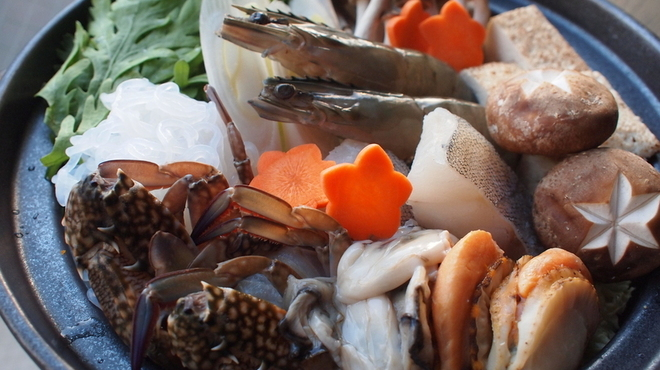金の水花 - 料理写真:海鮮寄せ鍋 1人前・1,029円(2人前~)豊富な海鮮をたっぷり味わえる!!スープは醤油orチゲから選べます。