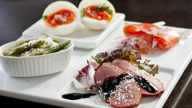 ロジック - 料理写真:ちょこっと前菜盛り合わせ