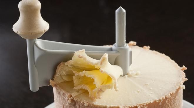 ロジック - 料理写真:ふわふわ花びらチーズ