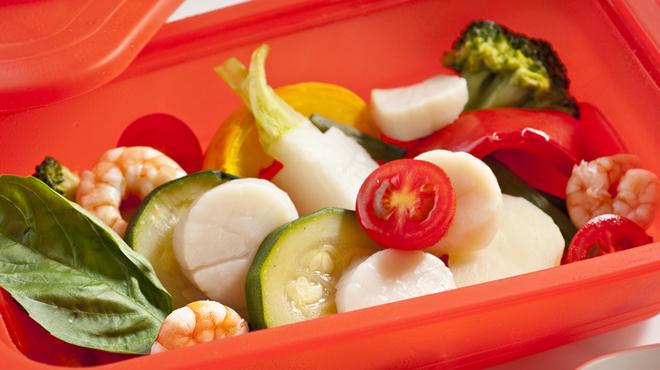 ロジック - 料理写真:シリコンスチーマー~海の幸と蒸し野菜~白トリュフのお塩で