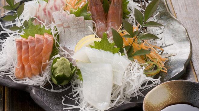 やま奇人 - 料理写真:鮮度抜群の刺し盛り。