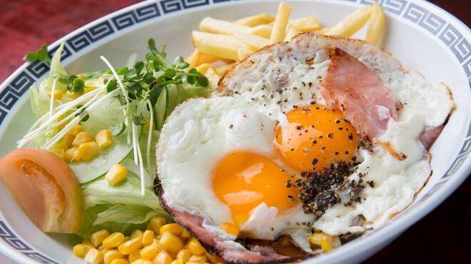 ひまわり - 料理写真:ハムエッグ