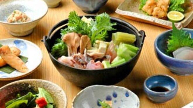 安古 - 料理写真:あんこう鍋を含む人気の10000円コース(鍋は2人前)