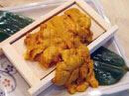 浜焼酒場 魚○ - 料理写真:豪快!箱盛りウニイクラ