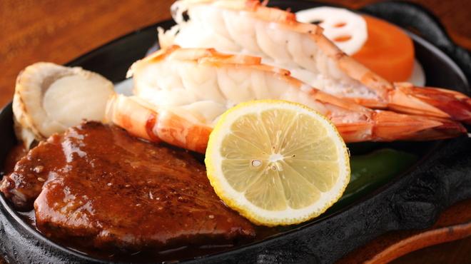 かもめ屋 - 料理写真:ステーキ+海老2尾=かもめ屋A定食:¥3000