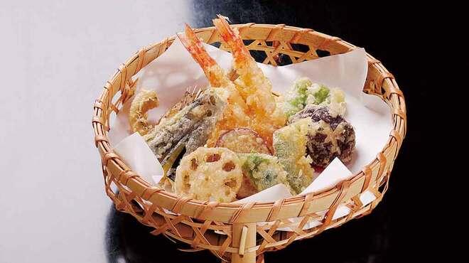 あずま家天善 - 料理写真:こだわりの天ぷらを、揚げたてでお召し上がりください。