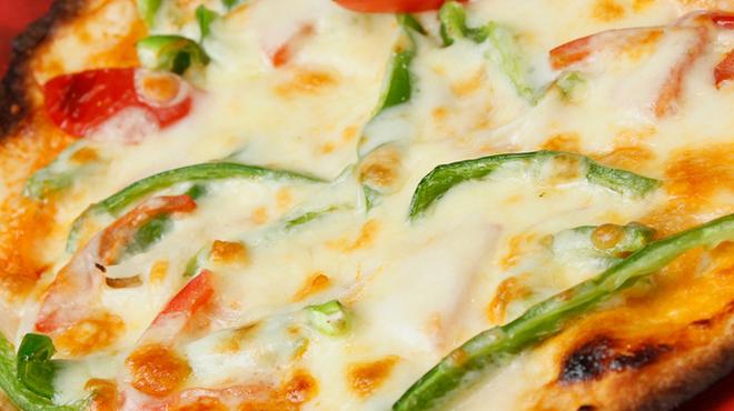 三浦鮮魚直売所 - 料理写真:『釜上げしらすの和風ピザ』