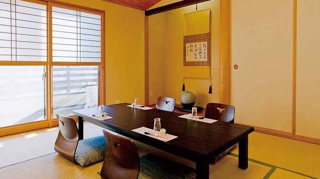あずま家天善 - 内観写真:少人数用の個室も完備しています。
