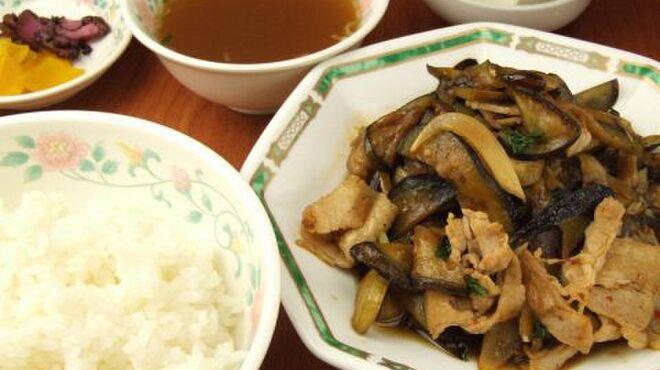 精陽軒 - 料理写真:青学近くに佇み創業なんと100年を超える老舗。会社帰りにさくっと気軽に寄れる中華!