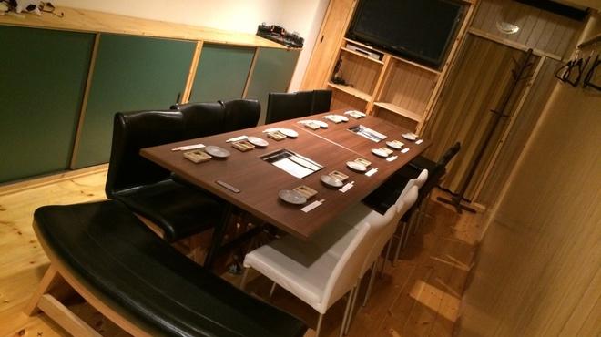 焼肉 いっぽん - 内観写真:最大16名様まで対応の完全個室
