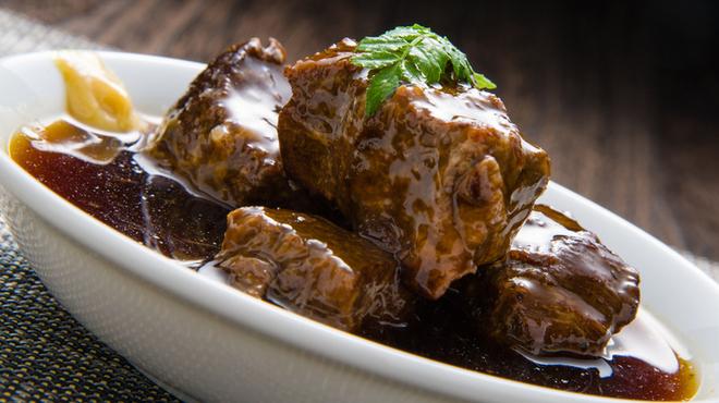 もつ鍋 たつ - 料理写真:牛ほほ肉の甘煮