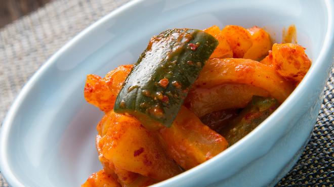もつ鍋 たつ - 料理写真:大根キムチ