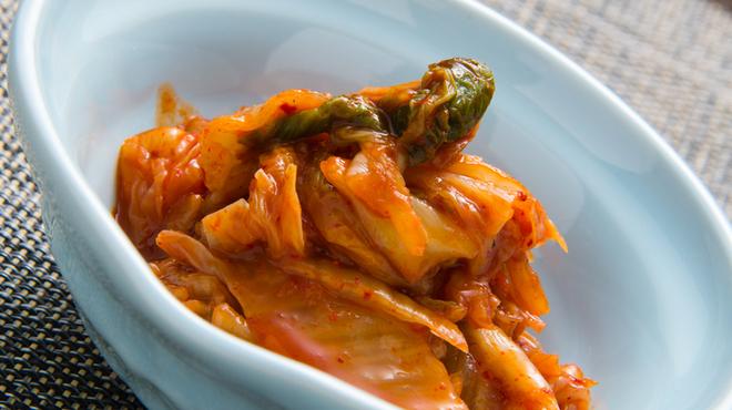 もつ鍋 たつ - 料理写真:白菜キムチ