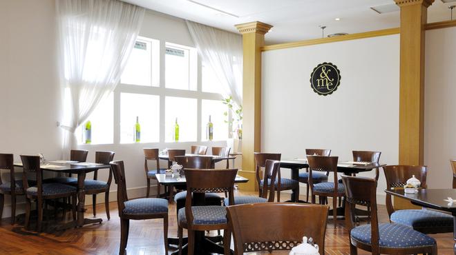 レストラン&me - 内観写真:アンドミー店内