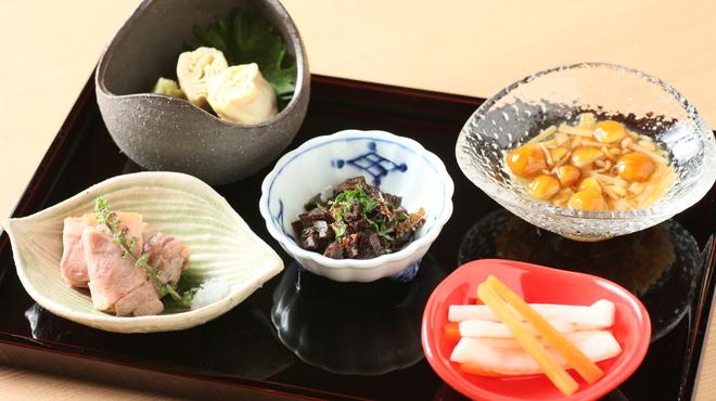 京都鴨そば専門店 浹 - 料理写真:おまかせ小鉢の五種盛り
