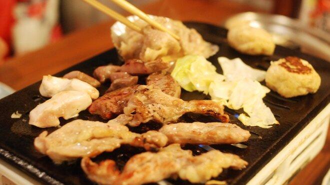 かっぱの茶の間 - 料理写真:朝挽き鳥を卓上ロースターで焼く「鳥焼き」