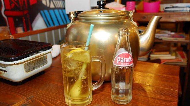 かっぱの茶の間 - 料理写真:本格焼酎、マッコリ、国産ワインを1リットルのヤカンで提供します