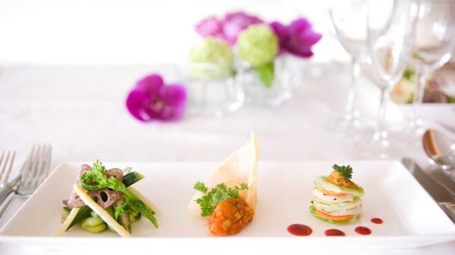 DINING ROOM IN THE MAIKO - 料理写真:味はもちろんのこと、目でも楽しむことのできる色とりどりの一皿