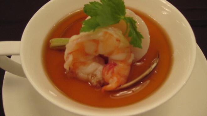 カミノハナ - 料理写真:海鮮と根菜のロワイアルスープ