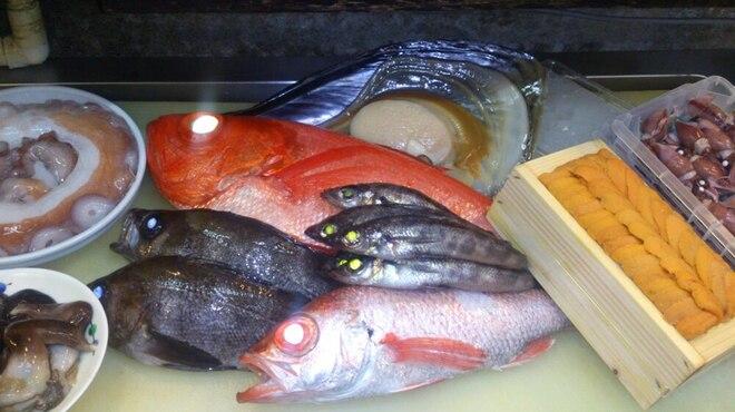 味彩山久 - 料理写真:新鮮な食材を、お好みに合わせて調理する「割烹スタイル」