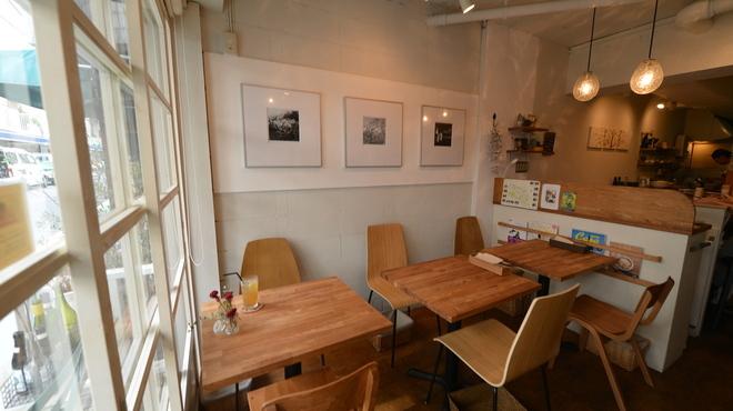 自然食カフェ&バー ナチュラル クルー - 内観写真: