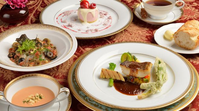 フレンチレストラン 千秋亭 - 料理写真:ランチコース