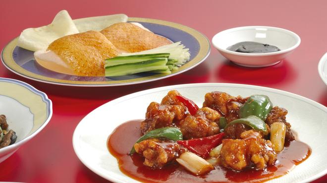 広東飯店 美香園 - 料理写真:日替わりランチは\680