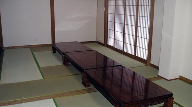 山賊鍋 - 内観写真:ゆったりくつろげるお座敷もございます!
