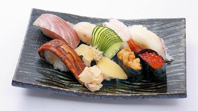 山賊鍋 - 料理写真:お寿司もございます!
