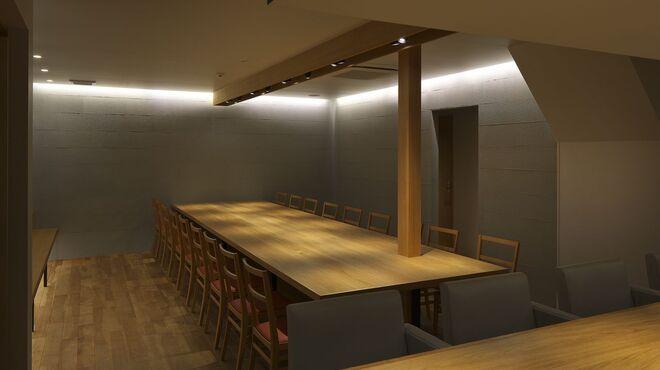 船場虎島 - 内観写真:大テーブル18席