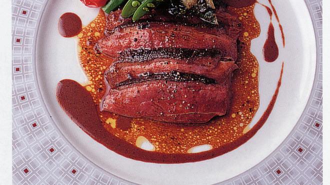 ラトラス - 料理写真:自慢の鴨料理