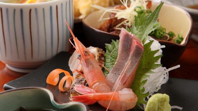 魚新 - 料理写真:2/4より平日ランチ再開しました!【11:00~13:30】