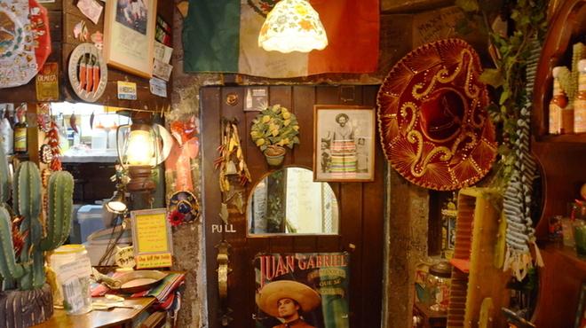 エルパンチョ - 内観写真:まるでメキシコにいるかのようなお店です★