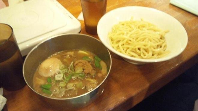 フジヤマ55 - 料理写真:大人気牛ホルつけ麺!!味玉トッピングがオススメ♪