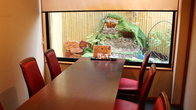 季節料理池宮 - 内観写真:個室のお席はゆったりと寛ぎながらお過ごし頂けます。