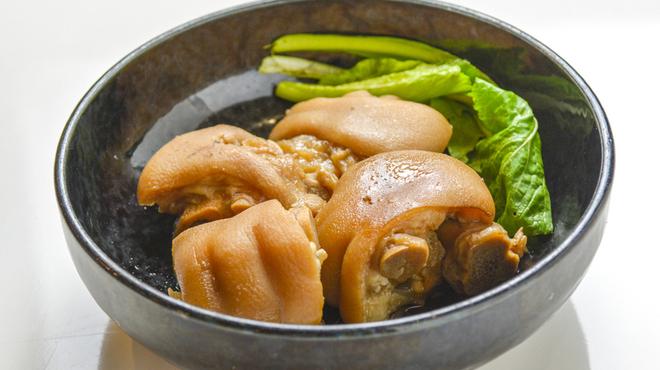 名護そば まきし食堂 - 料理写真:てびち煮付け500円