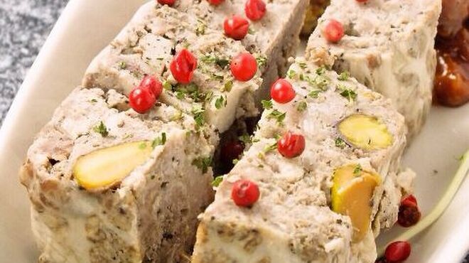 ホルモンやまと - 料理写真:もち豚のパテ