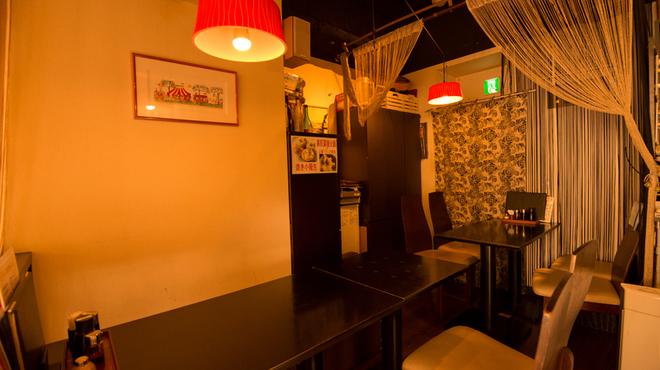 上海小籠包 厨房 阿杏 - 内観写真:店内
