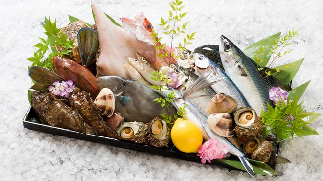 うなぎ しら河 - 料理写真:新鮮獲れたて氷見魚