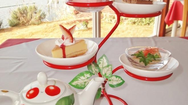 プティ キャナル - 料理写真:プチデザートケーキ