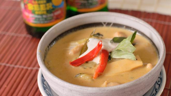 ダオタイ - 料理写真:女性に大人気!グリーンカレー