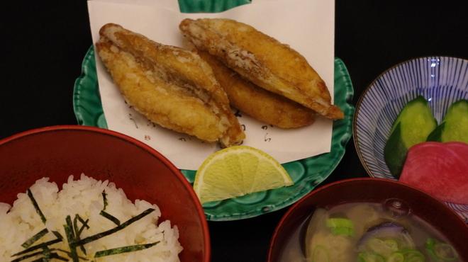 巣鴨三浦屋 - 料理写真:お昼の新メニューふぐから揚げセット1.650円