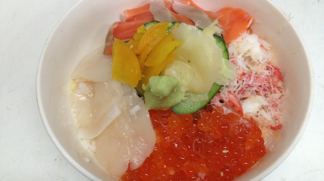 春夏秋冬 - 料理写真:蟹身、イクラ入り北海丼