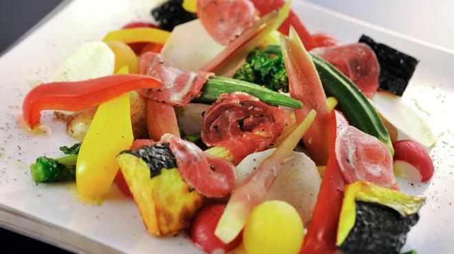 菅乃屋 - 料理写真:季節の彩り野菜サラダ