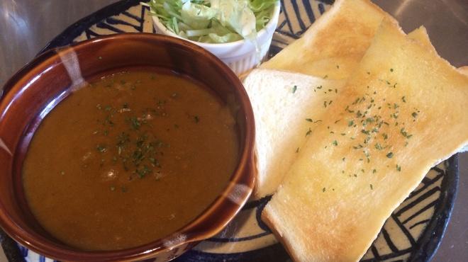 Cafe★dining LiLii Park - 料理写真:ジャワ&インドカレーに、つけパン〜!